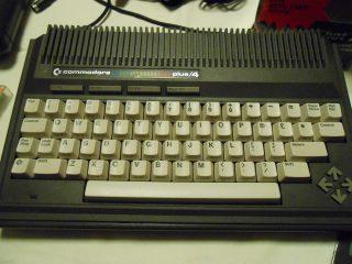Commodore_Plus4_foto_02